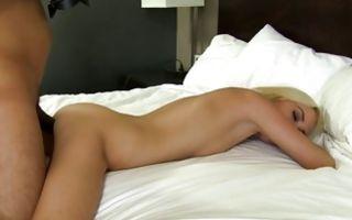 Adorable amateur bitch Kaylee Haze has deep sex on bed