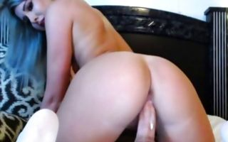 Gorgeous blonde with pierced nipples rides in homemade xxx