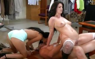 Gf with big shapes Riley Grey make threesome for money