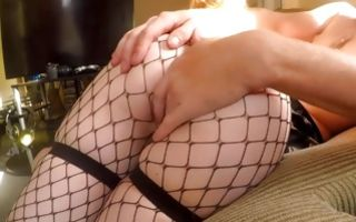 Pretty blonde amateur whore gets her asshole stretched hard