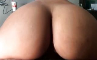 Naughty brunette rides a dick in homemade xxx video